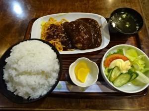 B食 ハンバーグ定食 (6)